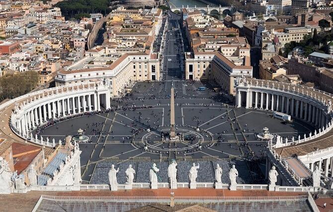 piata sfantu petru vatican roma